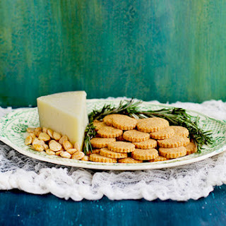 Manchego Marcona Almond Shortbread Crackers Recipe