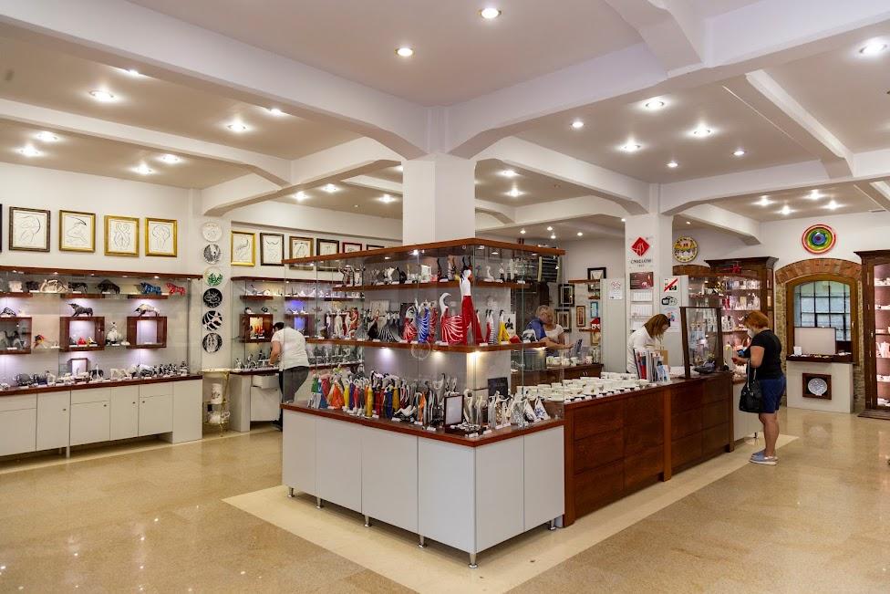 Żywe Muzeum Porcelany, sklep firmowy