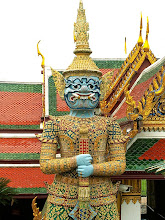 Photo: Bangkok, Wat Phra Kaew, the 'Yaksha' demon guard