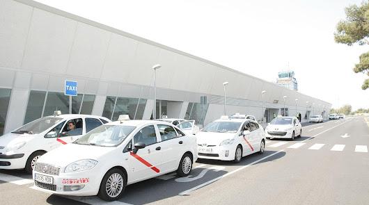 El taxi pide más control de los VTC ante la inminente llegada de Uber a Almería
