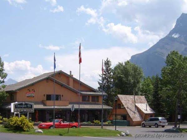 Douglas Fir Resort & Chalets