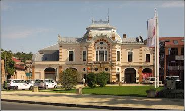 "Photo: Turda - Piata Republicii, Nr.52 - Teatrul Municipal si Biblioteca ""Teodor Murăşanu""   - 2019.09.10"