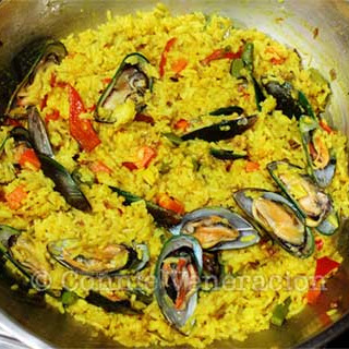 Yellow Rice with Mussels and Vegetables