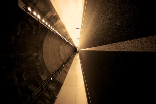 dentro al tunnel di meki