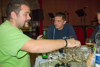 Photo: Gyusszi keveri az italokat..