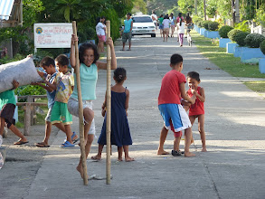 Photo: Torrijos - park next to sea, street going to centre