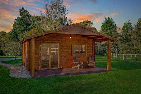 2. Rural Cabin Retreat - West Sussex, England - 5* rating