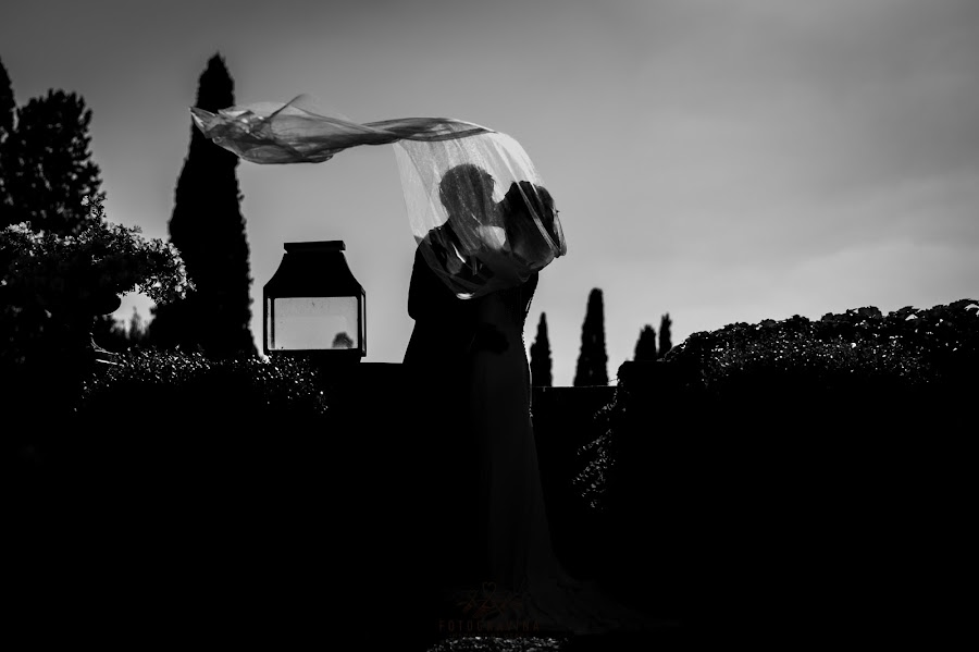 Wedding photographer Francesco Gravina (fotogravina). Photo of 21.11.2019