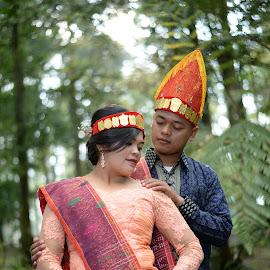 Batak Tribe Couple Engagement by Fredy Pandia - Wedding Bride & Groom ( prewed, nature, prewedding, wedding, d610, couple, forest, bride and groom, nikon, batak )