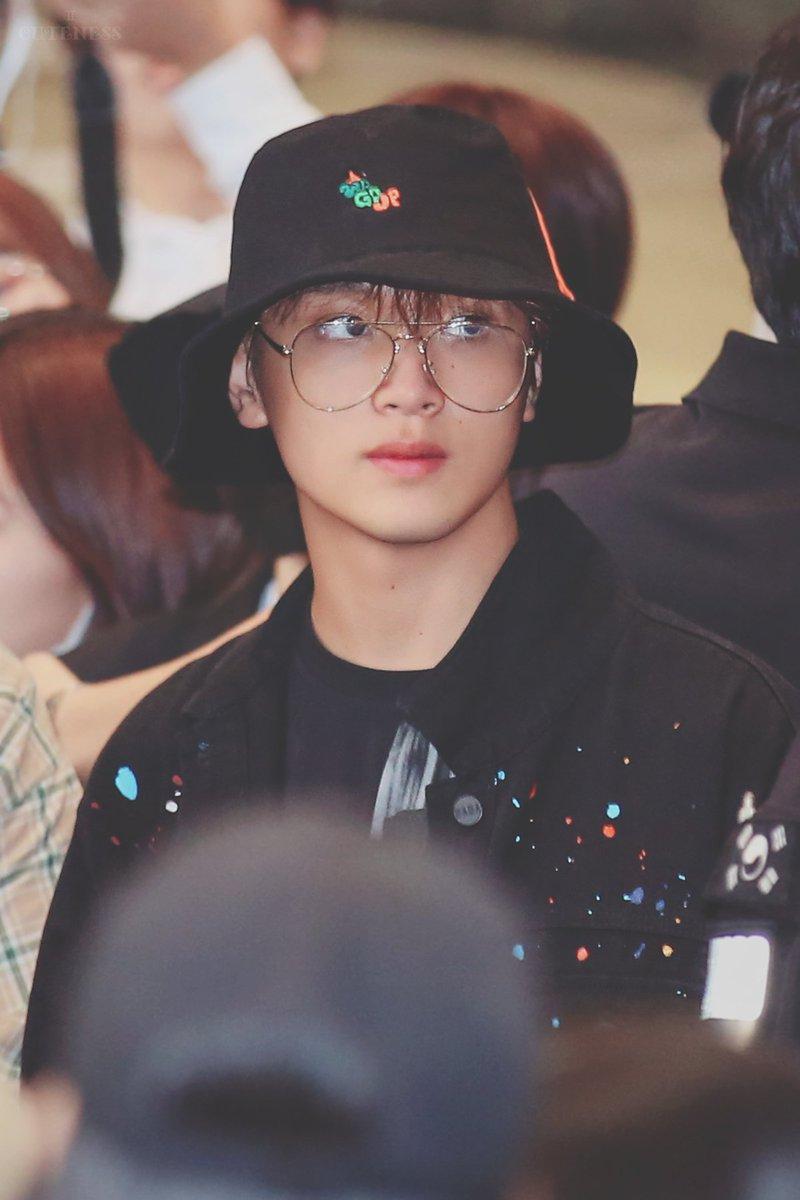 buckethatspecs_haechan