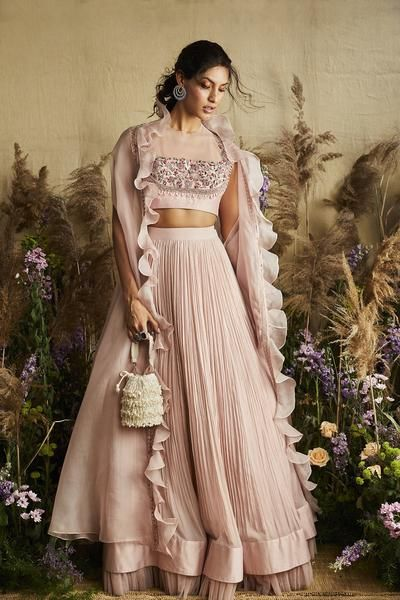 outfit-ideas-brides-bestfriend