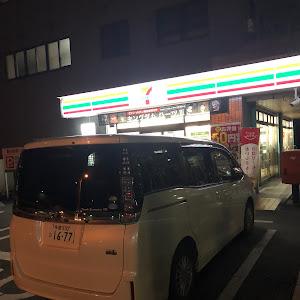 ヴォクシー ZWR80G H25年式 いい方のグレードのカスタム事例画像 あきたん☆さんの2018年11月23日22:49の投稿