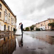 Wedding photographer Maksim Rodionov (Rodionov). Photo of 12.08.2016