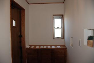 Photo: 玄関の造作靴棚とニッチ