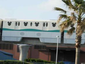 Photo: ディズニーリゾートライン?電車