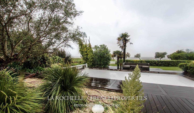 Maison avec piscine et terrasse Taussat