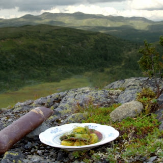 Mutton sausage from Valdres with mustard-marinated new potatoes
