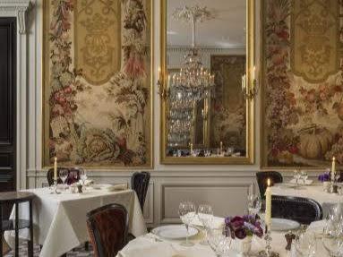 パリミシュランフランス版三ツ星レストランランブロワジー