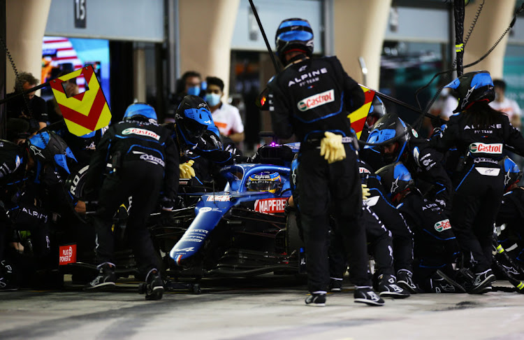 Fernando Alonso's Bahrain GP came to an abrupt end on lap 32 after a trapped sandwich wrapper caused his rear brakes to overheat.