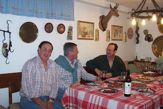 Photo: Gijón, casa de Santiago G.Alfayate con Enrique Muñiz y Manuel Arango.