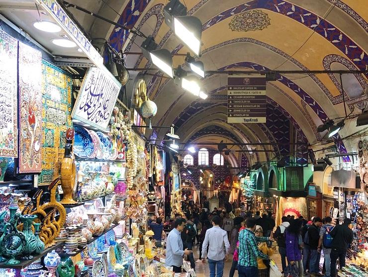 【世界のカフェ】オリエンタルな雰囲気がたまらない!トルコ・イスタンブールにあるグランドバザール最古のカフェ「シャルク・カフヴェスィ」