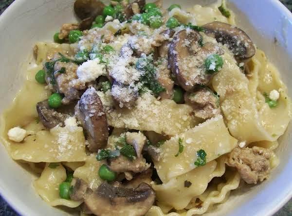 Pasta With Sausage, Peas And Mushrooms
