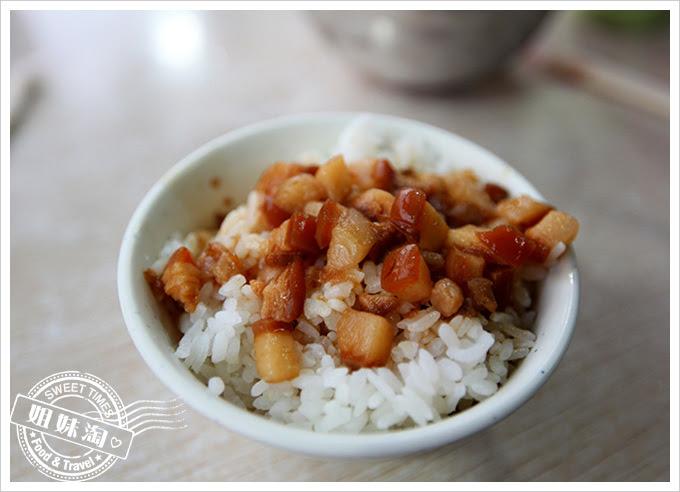 阿財牛肉湯-肉燥飯