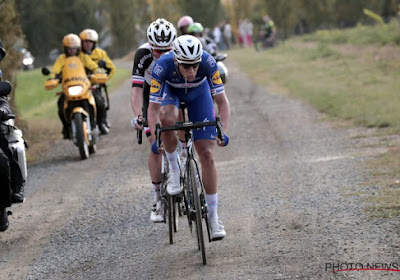 Dieven stelen fietsen en materiaal van ploegen tijdens Parijs-Tours