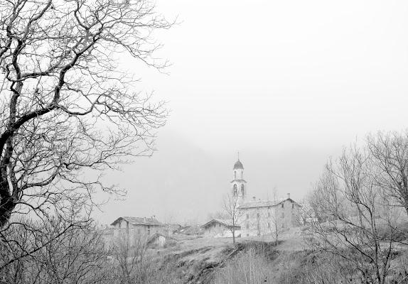 4 case e un campanile di gaspare_aita