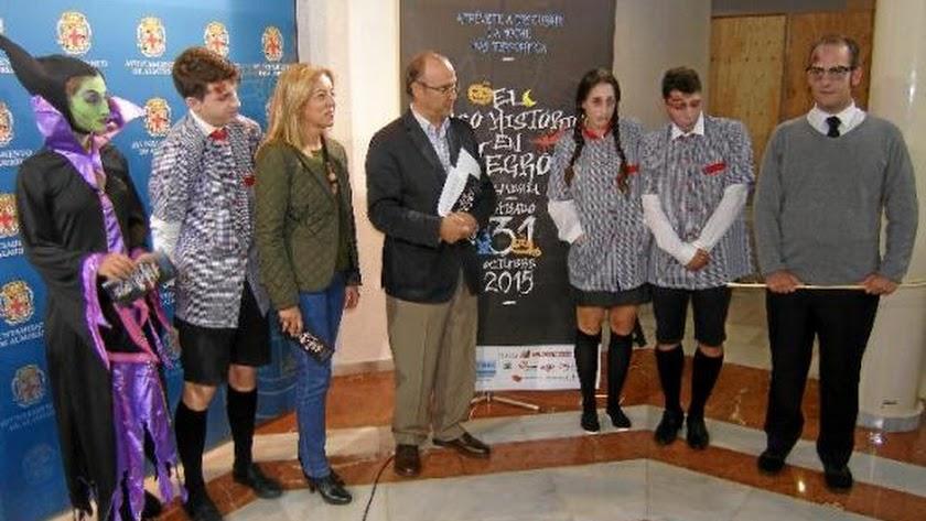 Presentación del Casco Histórico en Negro, ayer en el Museo de Arte de Almería 2.
