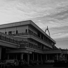 The Big Vihara In Batam by Rezza Herdiyanto - Buildings & Architecture Public & Historical