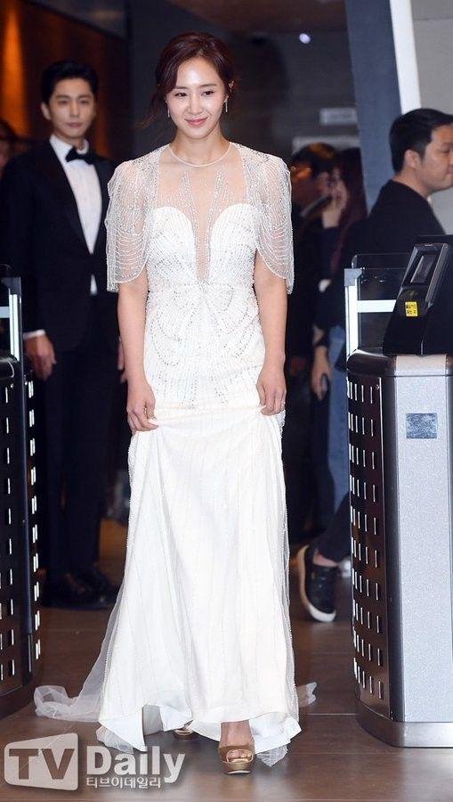 yuri gown 16