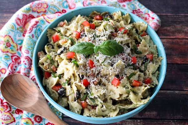 Susan's Tomato Basil Chicken Pasta Salad In A Serving Bowl.