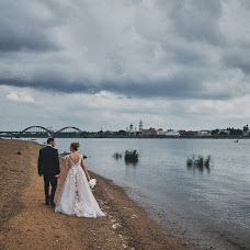 Wedding photographer Roman Gorelov (hellsmile). Photo of 23.09.2018