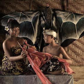 Balinese kite by Alamsyah Rauf - Babies & Children Children Candids ( child, bali, indonesia, people )
