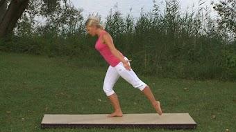 Folge 4: Kräftigung der tiefen Rückenmuskulatur und Gleichgewicht: Training im Stand