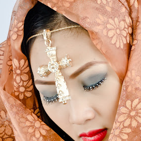 cross @ princess by Romualdo Señeris - People Fashion ( religion, fashion, beauty, portrait, asian )
