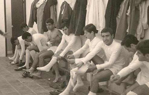En la 1966-1967, los jugadores del Plus Ultra se preparan para competir.