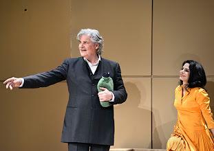 Photo: DAS KONZERT von Herrmann Bahr. Wiener Akademietheater - Premiere 7.2.2015. Inszenierung: Felix Prader. PeterSimonischek, Sara Zangeneh. Copyright: Barbara Zeininger