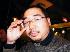 Photo: baby son, warrenzh 朱楚甲's works: dad in focus, not readily. family dined out for the spring night.