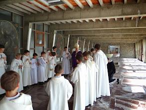 Photo: ... dostalo zvláštního požehnání od Mons. Bruguèse, který nás ten den navštívil.