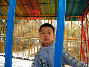 Photo: warrenzh 朱楚甲 played in Qiqihar railway southern park near his mom's community, after pc gaming indoor. warrenzh enjoyed the kids yard very much when his dad, benzrad 朱子卓 accompanied him hanging outside in the sunny Sunday near Int' Labor Day holiday.