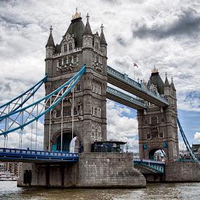 Tower bridge London by Goran Bakoc - Buildings & Architecture Bridges & Suspended Structures ( london, thames, tower bridge, bridge, united kingdom, pwcbridges, city )
