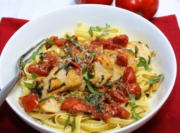 Basil Chicken And Tomatoes Recipe