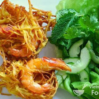 Vietnamese Fried Cake with Shrimp and Mung Bean (Bánh Tôm).