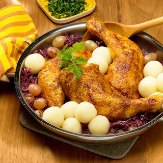 Hähnchenkeulen auf Traubenkraut und Mini-Knödel (von Ralf Zacherl)