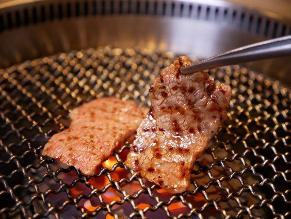 「燒肉的名門赤虎」CP值超高的和牛日式燒肉,大推極上雙人套餐,好停車,壽星優惠(文末有菜單)