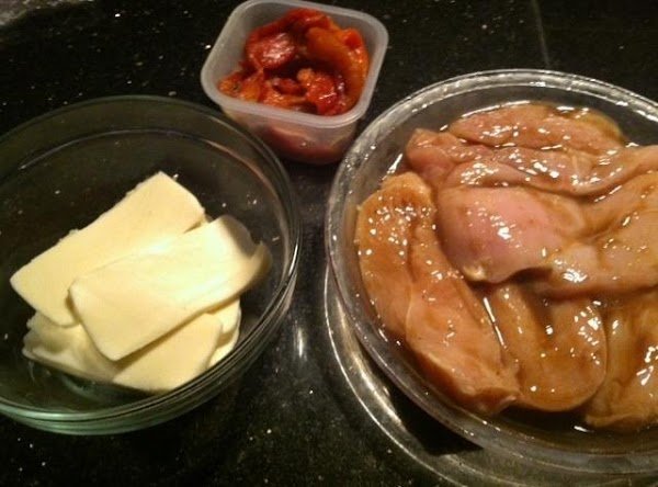 PUT SLICED IN HALF CHICKEN BREAST IN LARGE BOWL N COVER WITH TERYAKI SAUCE....