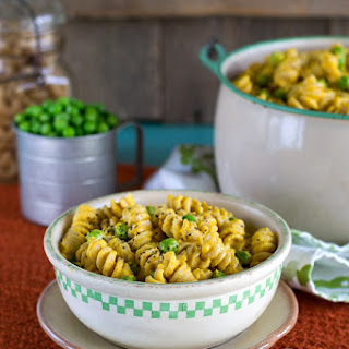 Vegan Mac 'n Peas with Creamy Butternut Squash Sauce