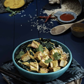Curried Peanut Sauce Bowl with Tofu & Kale.